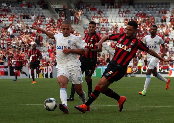 Atlético-PR recebe o Londrina em confronto das semifinais do Paranaense