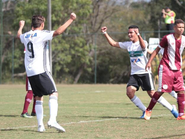 Saiba onde assistir Coritiba x Chapecoense ao vivo neste domingo — Campeonato Brasileiro