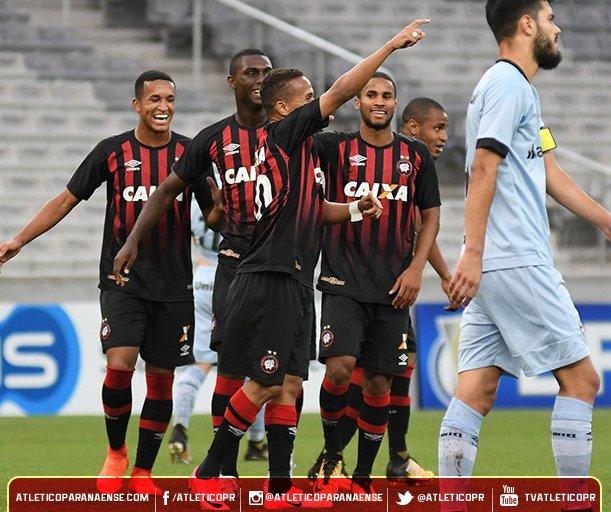 Jogo do Atlético-PR x Londrina, válido pela Semifinal do Campeonato  Paranaense 2017 no
