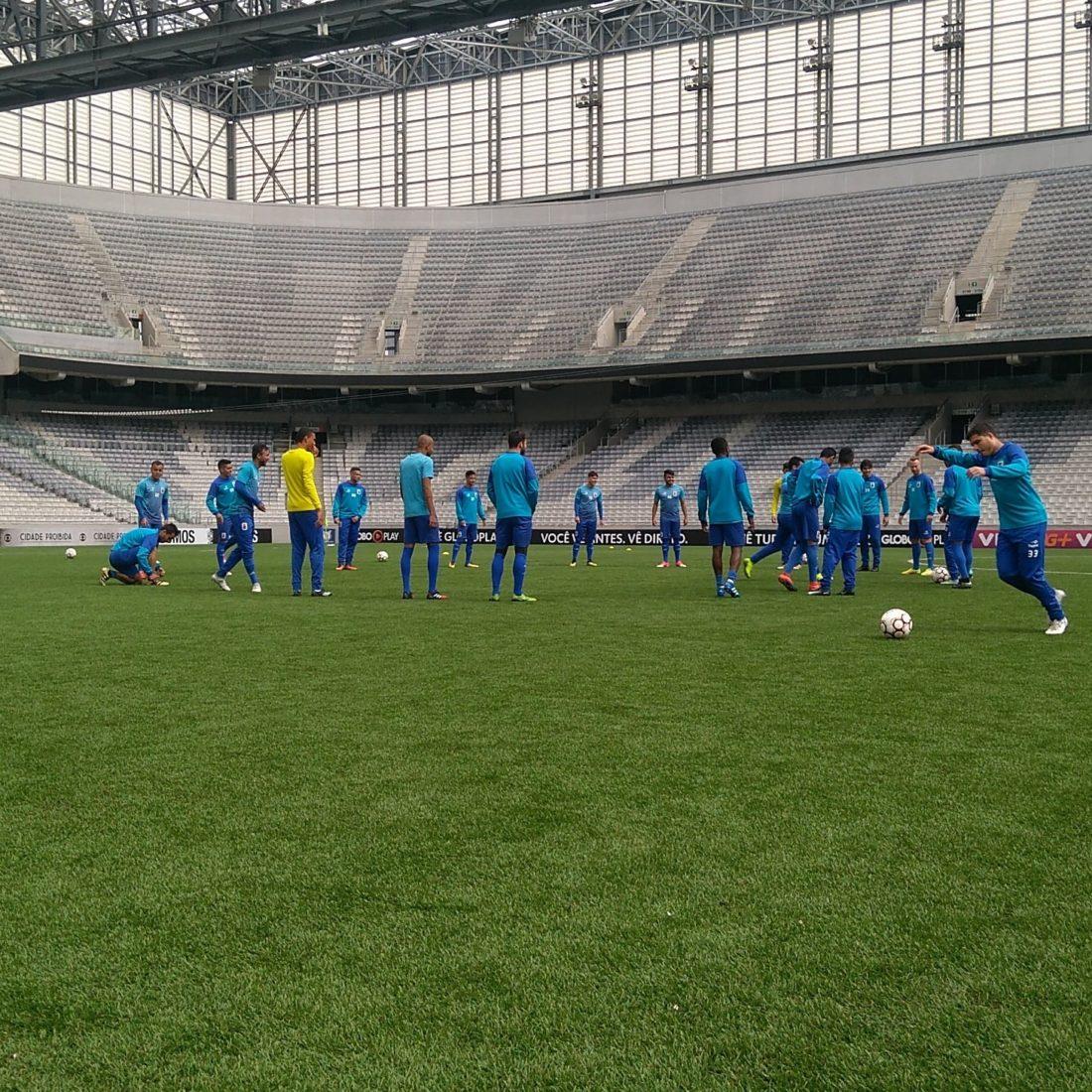 Paraná bate Inter e sobe para 2º lugar — Série B