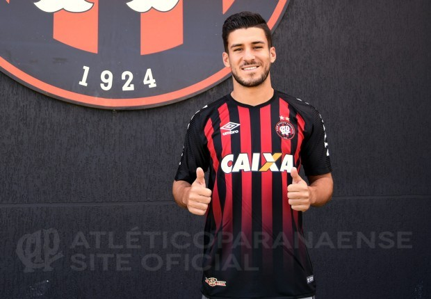 Após deixar o Fluminense, Pierre é anunciado como reforço do Atlético-PR
